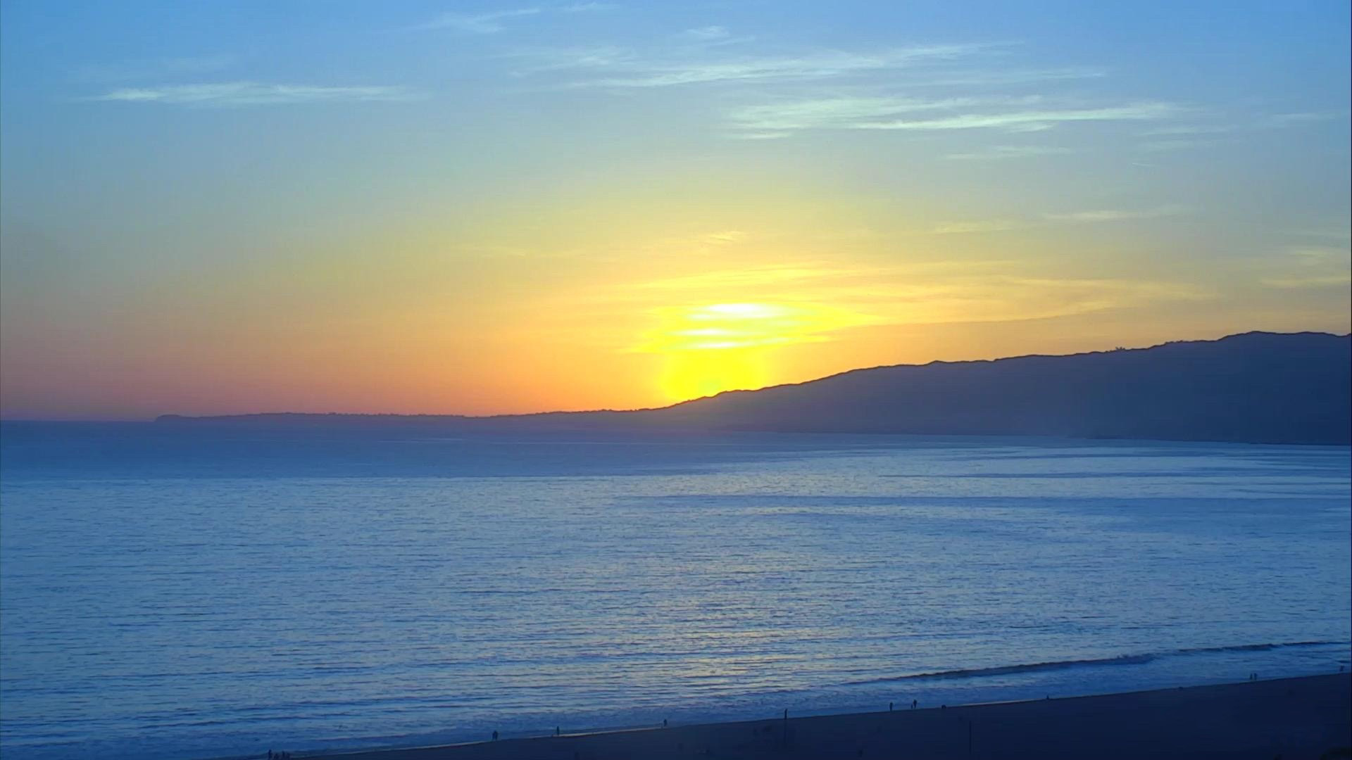 Santa Monica Beach Cam Watch The Pier And Sunsets Live Exploreorg