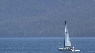 Beautiful sailing weather. I'd love to be in such a place.